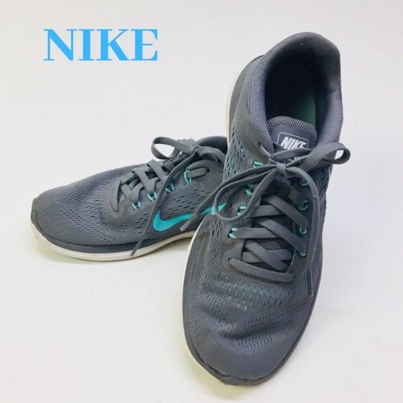 buy popular a4c30 b6a26 Nike Women s Flex 2016 Running Sneakers Size 7. M 5c373c0061974541571227f3